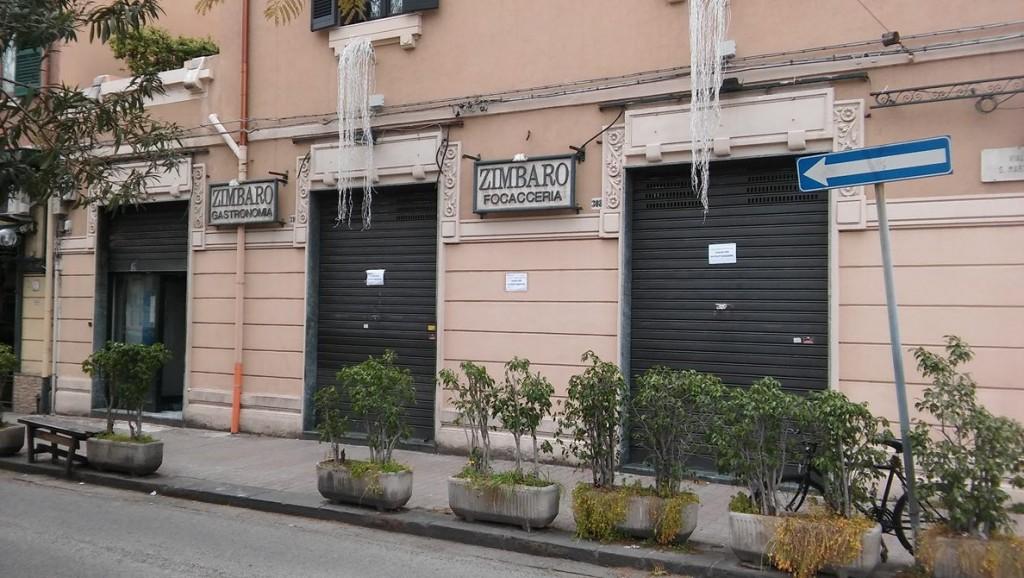 La rosticceria Zimbaro chiusa per ristrutturazione