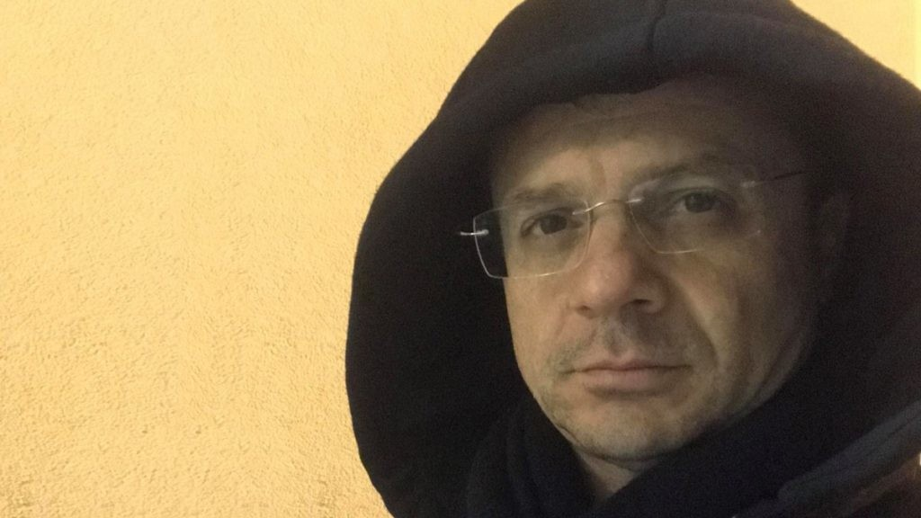 """Cateno De Luca """"in versione """"francescano"""""""